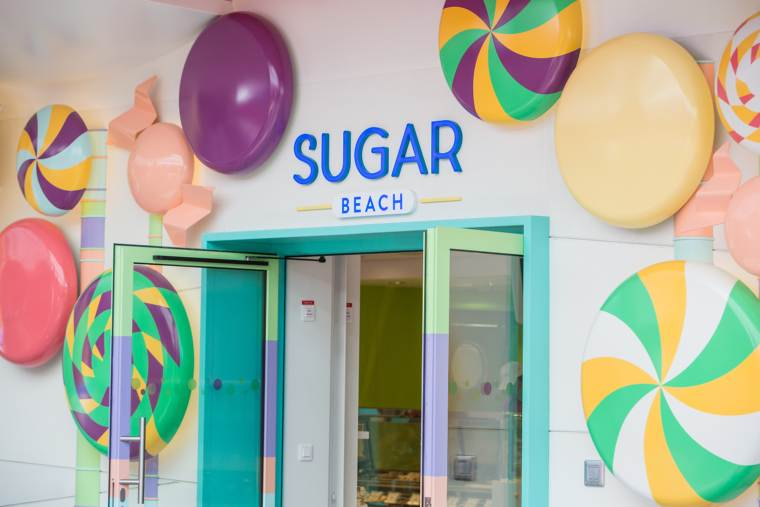 The Sugar Beach candy and ice-cream store, Independence of the Seas