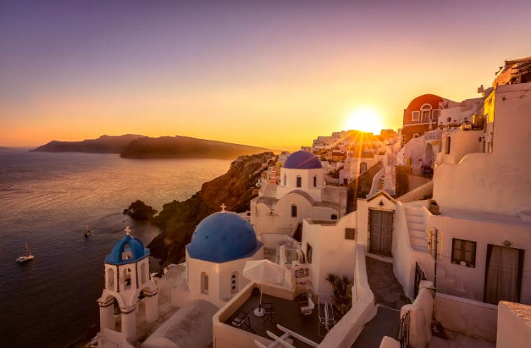 Oia, Santorini purple skies sunset