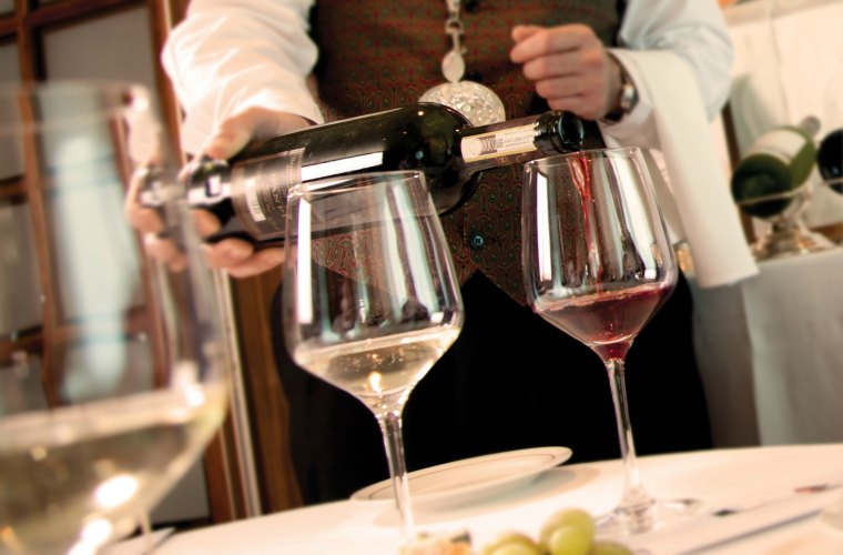 Cunard's British Isles Culinary Discovery wine tasting