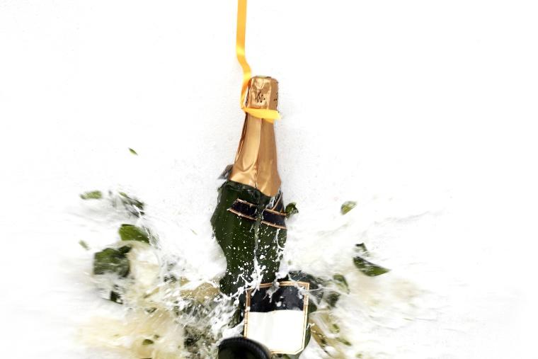 Champagne bottle smash Ionafest 2020