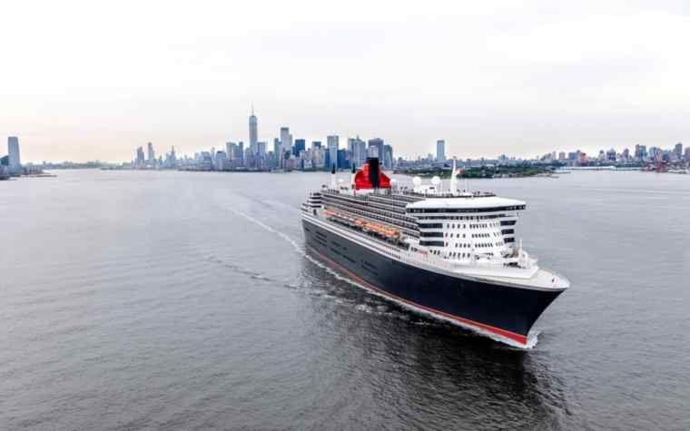 Cunard Queen Mary 2 in NYC on a Transatlantic Cruise