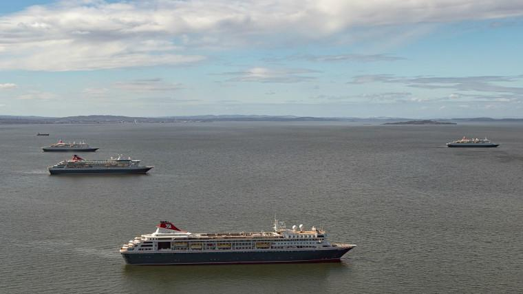 Four ships in Firth of Forth