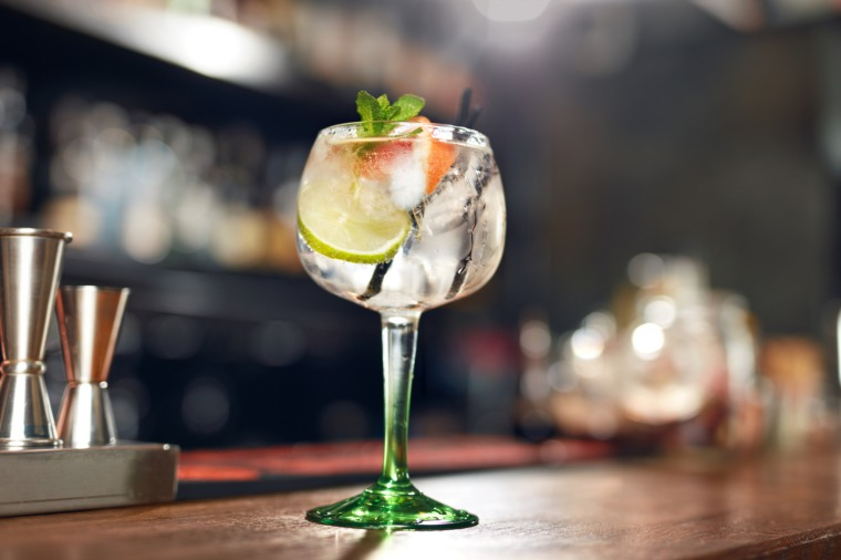 Gin cocktail on P&O Cruises Iona