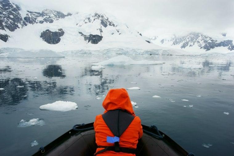 Iceberg tour, Antartica