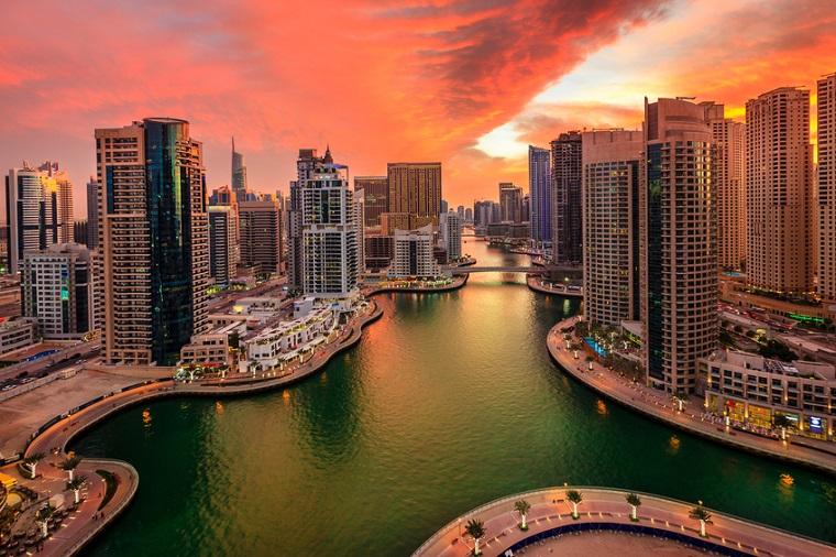 Scenic view of Dubai Marina in UAE at sunset