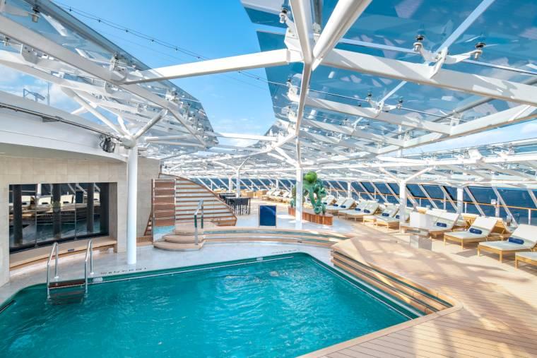 MSC Bellissima, MSC Yacht Club pool