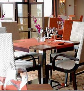 Orchid_dining_3145728