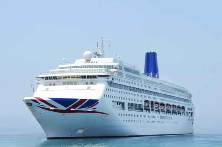 P&O Cruises Oriana at sea