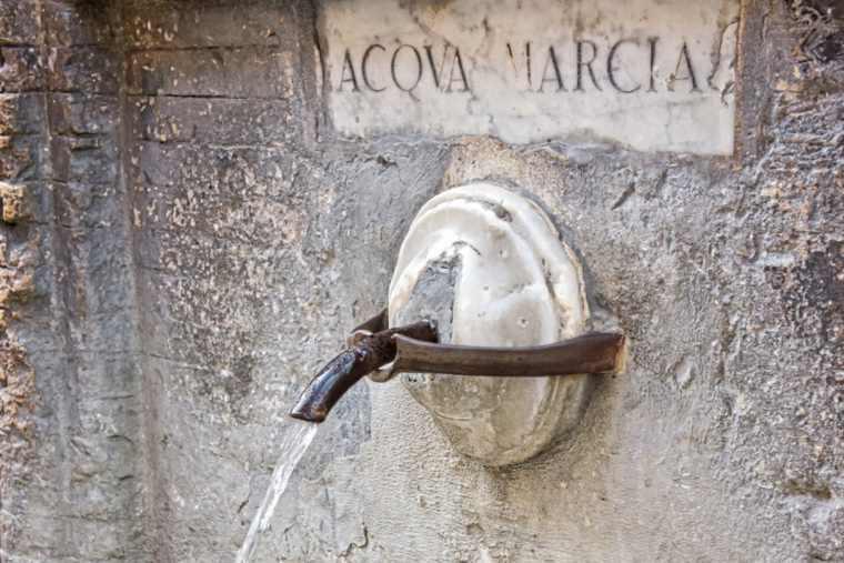 Public water fountain Rome