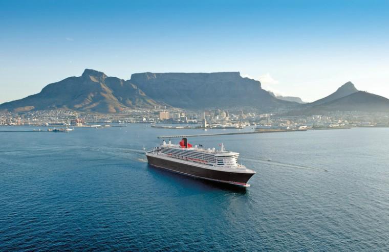 QM2 in Cape Town, Cunard Line
