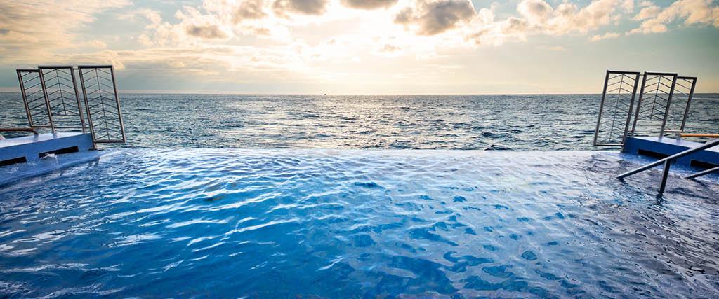 regent-seven-seas-cruises-lifestyle-ships-dining8