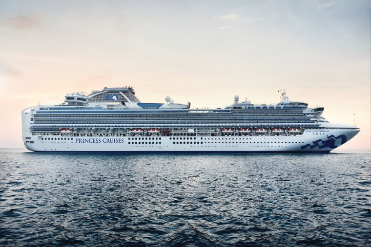 Sapphire Princess ship at sea