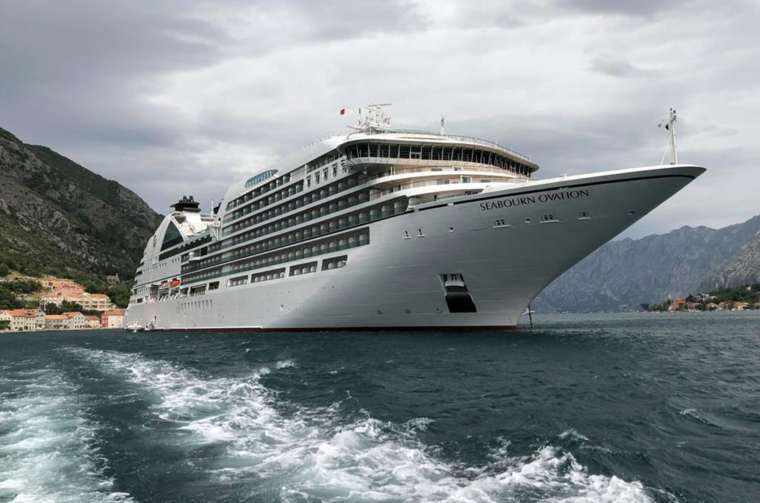 Seabourn Ovation exterior view
