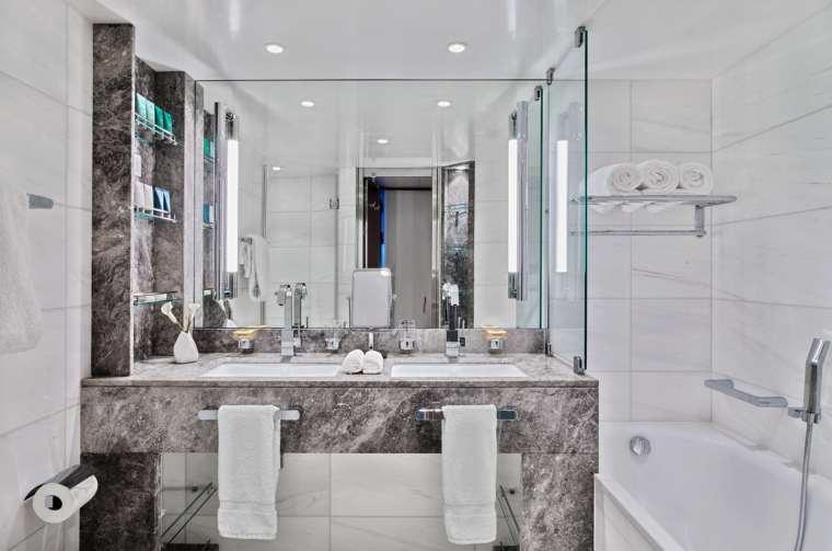 Seabourn Ovation Veranda Suite Bathroom