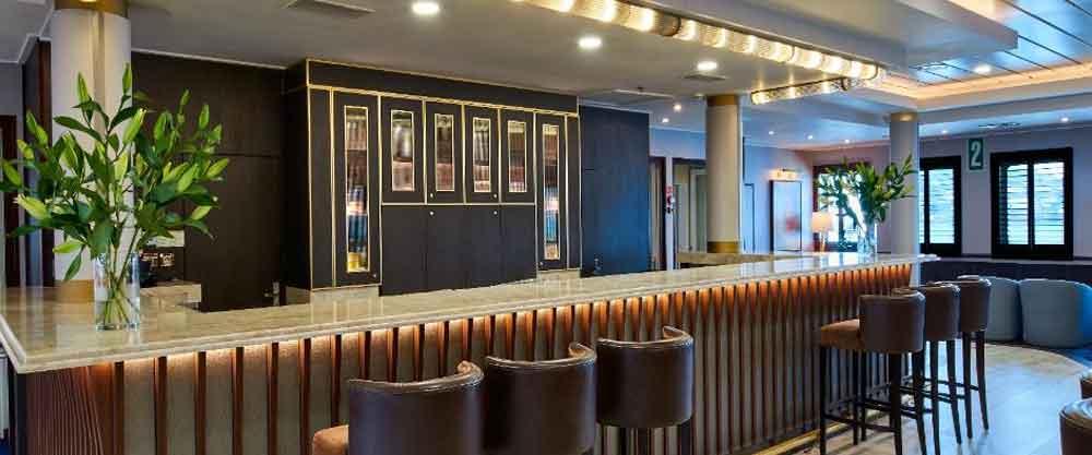 Windstar Lounge Bar