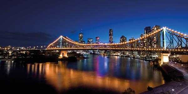 Brisbane Story Bridge at night