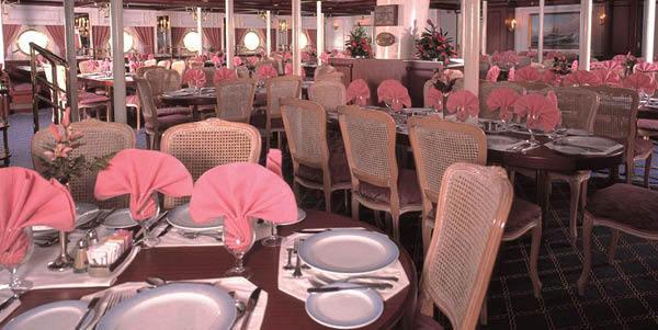 Star Clipper dining