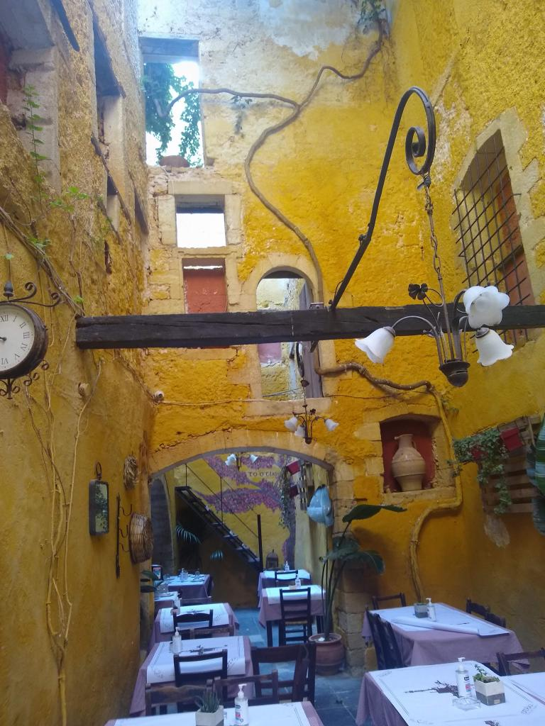 Quirky restaurant in old building – Chania